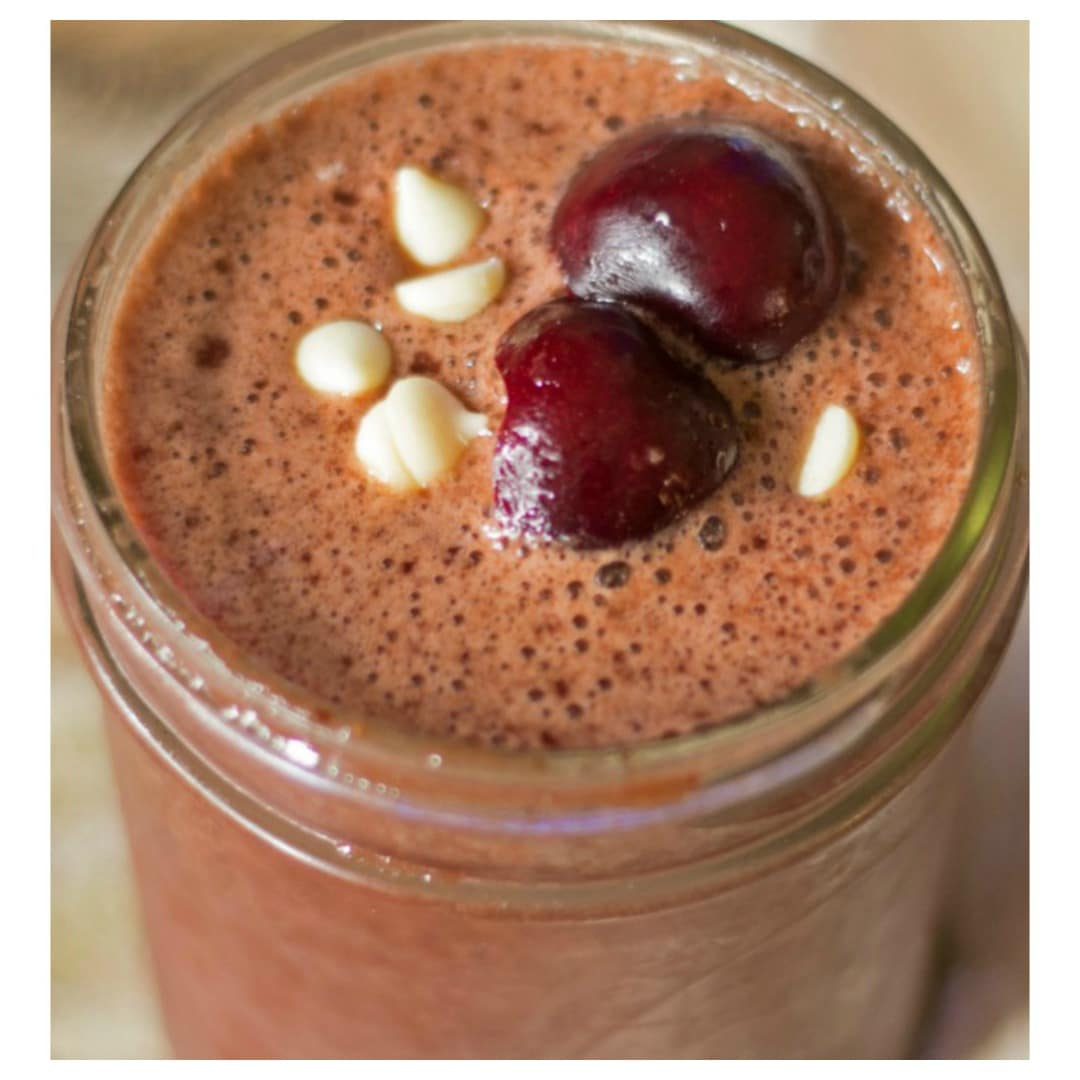 healthy black forest cherry chocolate smoothie