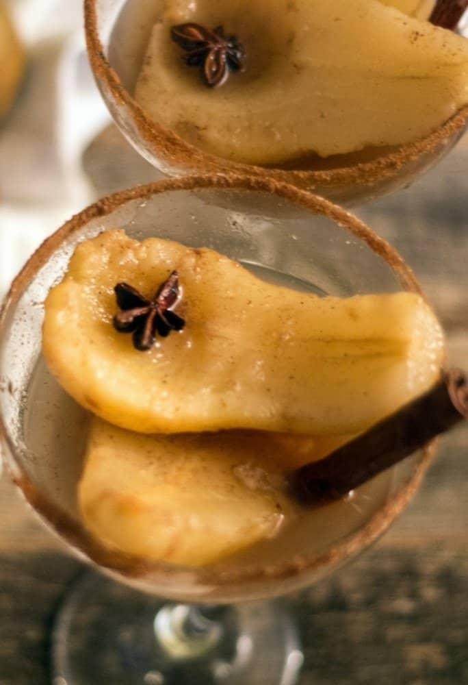 poached pears in white wine