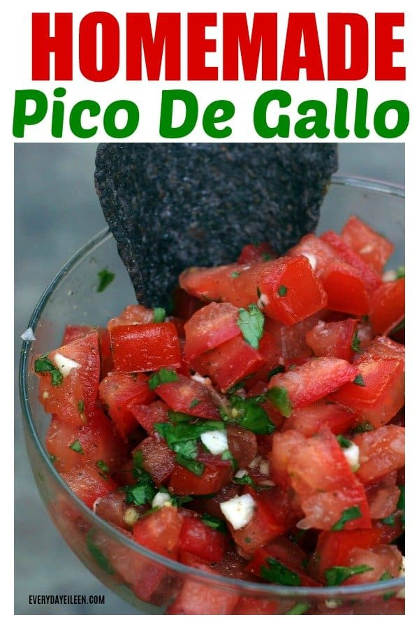 Homemade Pico De Gallo, authentic fresh tomato salsa is ready in minutes! A low-carb healthy salsa great with chips or on tacos, quesadillas, etc! #picodegallo #salsa #cincodemayo #everydayeileen  via @everydayeileen