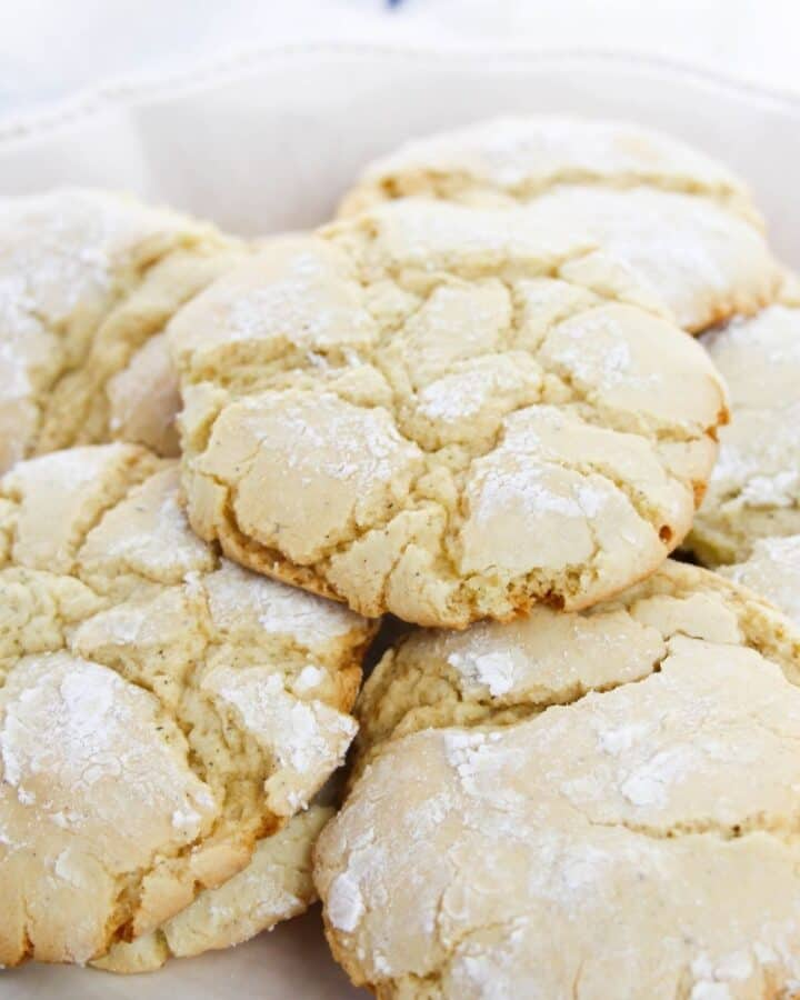 Vanilla crinkle cookies stacked on top of each other.